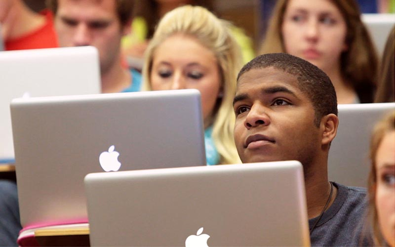 apple etudiant