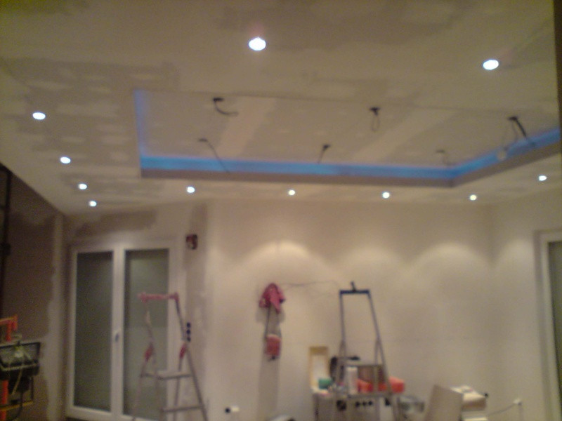 disposition de spot au plafond
